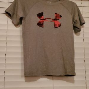 Under Armour kids shirt is size YXS